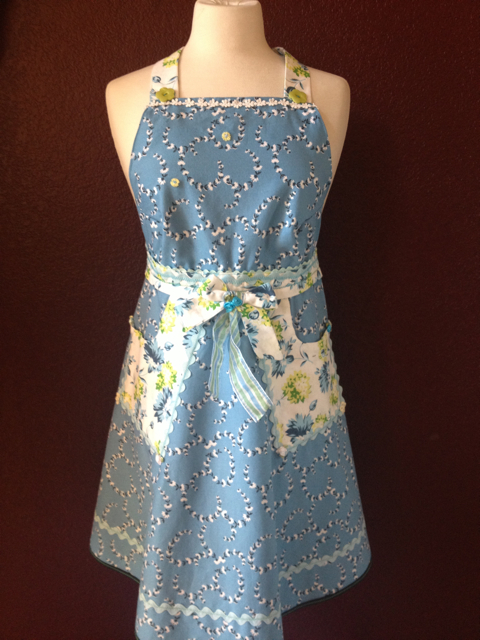 Front B Daisy Chain Apron