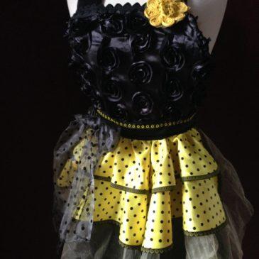 Black Roses in yellow love full